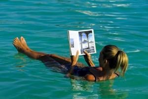 расслабиться в воде