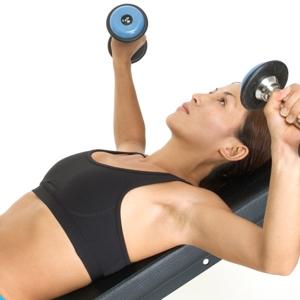 Упражнения на грудь для девушек